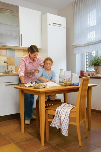 Πρακτικό τραπέζι για την κουζίνα